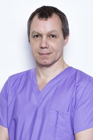 Гущин-Алексей-Алексеевич-врач-стоматолог-терапевт2-изм
